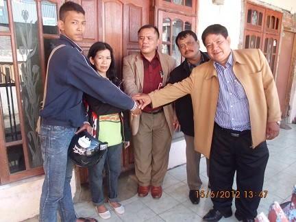 Mendamaikan keluarga member CLP dengan lawannya