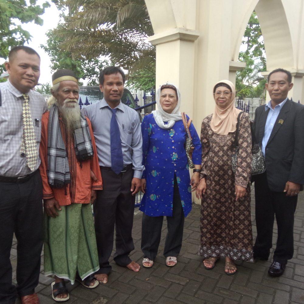 foto bersama setelah perdamaian dicapai